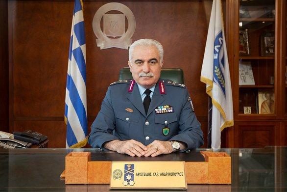 Ο αρχηγός της ΕΛΑΣ πήγε στη συγκέντρωση του ΣΥΡΙΖΑ και κινδυνεύει με «προσωρινή απόλυση» | tovima.gr