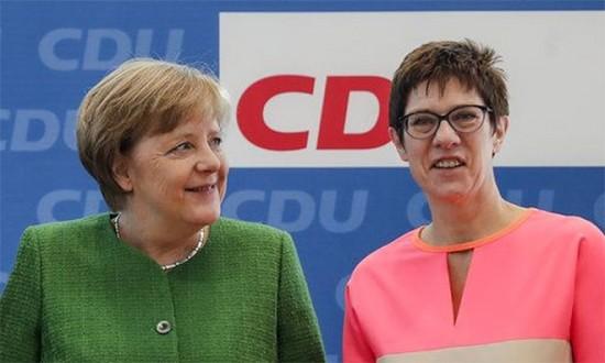 Γερμανοί : Η Κραμπ-Καρενμπάουερ δεν είναι έτοιμη να διαδεχθεί τη Μέρκελ | tovima.gr