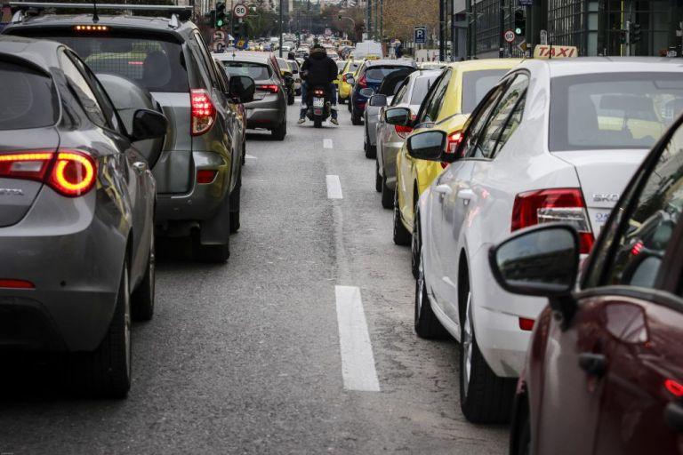 Αυξημένη κίνηση στην Παραλιακή λόγω κυκλοφοριακών ρυθμίσεων | tovima.gr