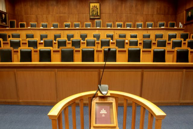Government tables revamped criminal code in Parliament, vote this week | tovima.gr