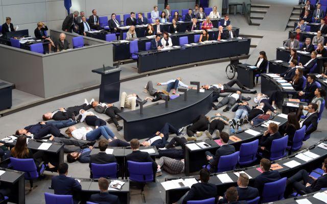 Bundestag: Υπέρ της ένταξης της Βόρειας Μακεδονίας στο ΝΑΤΟ   tovima.gr