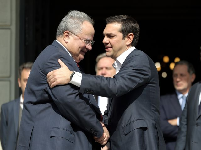 Kotzias blasts SYRIZA cadres after parting ways with Tsipras   tovima.gr