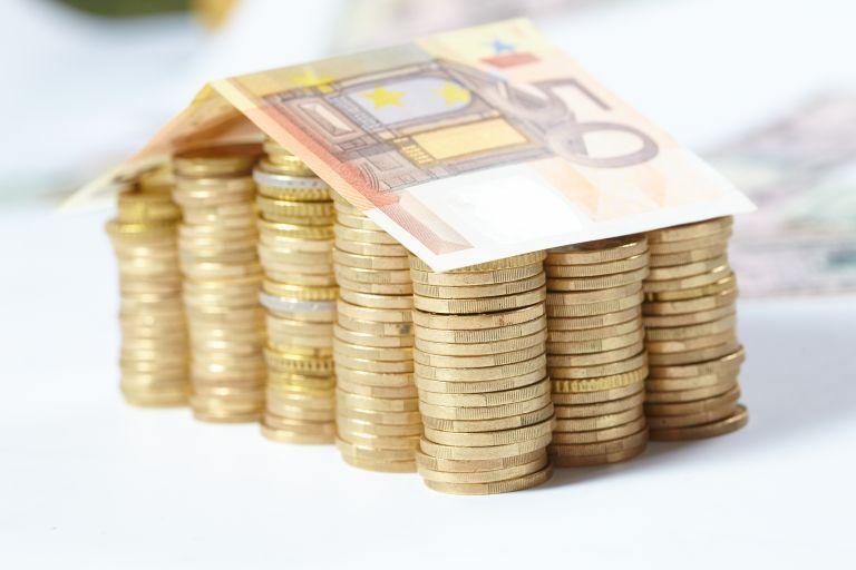 Κόκκινα δάνεια : Ποιες λύσεις θα προτείνουν οι τράπεζες στους οφειλέτες | tovima.gr