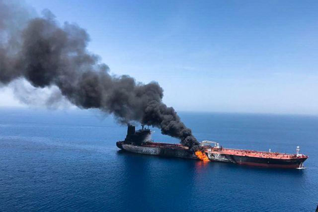 Κόλπος Ομάν : Στο λιμάνι των ΗΑΕ το ιαπωνικό τάνκερ που χτυπήθηκε | tovima.gr