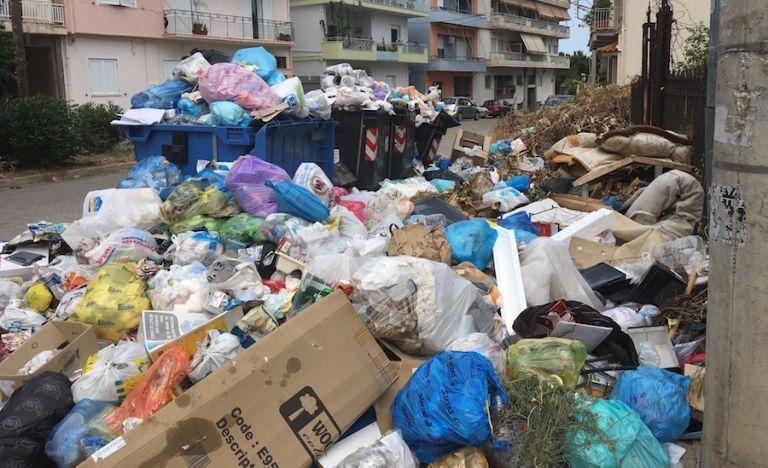 Αίγιο: Τραγική η κατάσταση με τα σκουπίδια – Κίνδυνος για τη δημόσια υγεία   tovima.gr