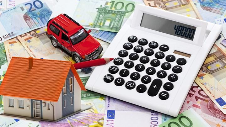 Φορολογικό «τσεκούρι» για χιλιάδες φορολογούμενους φέρνουν τα τεκμήρια | tovima.gr