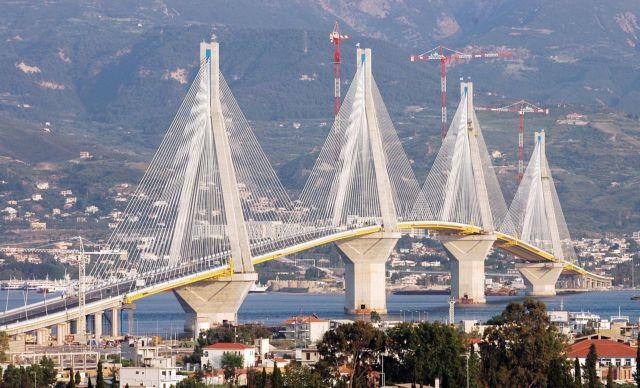 Ποδηλάτης έπεσε από τη γέφυρα του Ρίου- Αντίρριου | tovima.gr