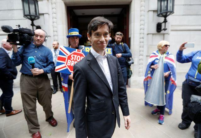 Βρετανία: Εκτός κούρσας για τη διαδοχή Μέι ο Ρόρι Στιούαρτ | tovima.gr
