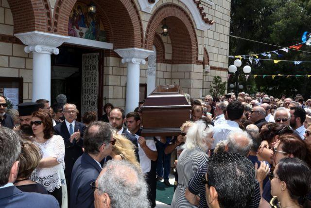 Ροβέρτος Σπυρόπουλος: Σε κλίμα συγκίνησης το τελευταίο αντίο   tovima.gr