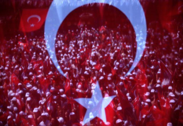 Παραληρούν οι τούρκοι εθνικιστές: Ο Τσίπρας θα πεταχτεί στη θάλασσα όπως οι παππούδες του   tovima.gr