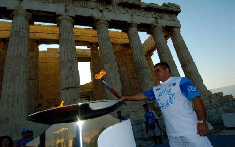 Ο ελληνικός αθλητισμός θρηνεί την απώλεια του Χολίδη | tovima.gr