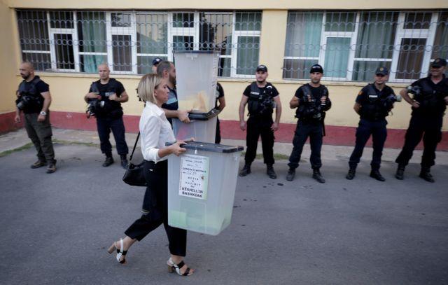 Αλβανία: Ο Ράμα πανηγυρίζει για τις κάλπες και η αντιπολίτευση για την χαμηλή συμμετοχή | tovima.gr