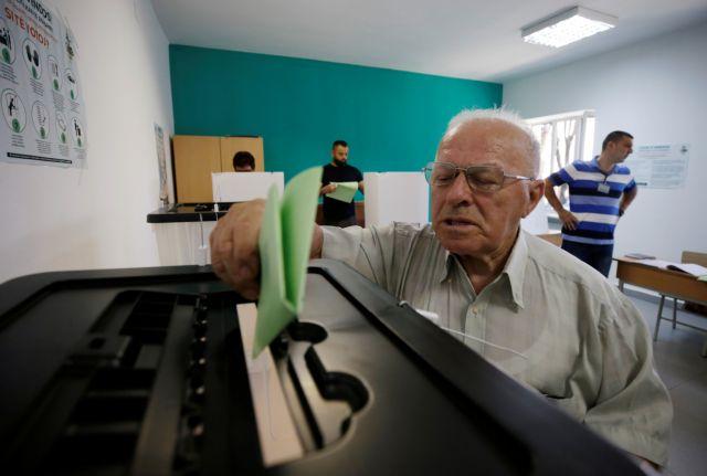 Σε κλίμα διχασμού οι δημοτικές εκλογές στην Αλβανία | tovima.gr