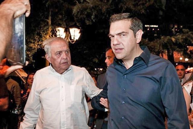 Ο Μητσοτάκης, ο Πικραμμένος και ο Αβραμόπουλος | tovima.gr