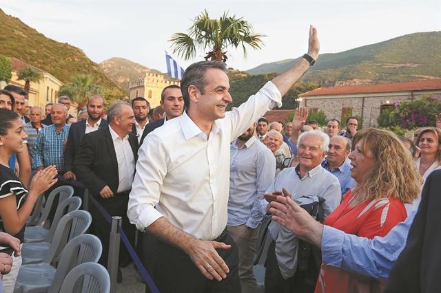 Μια κοινωνική και πολιτική συμμαχία ανοίγει δρόμο στον Μητσοτάκη | tovima.gr