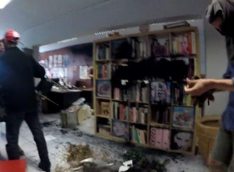 Επίθεση Ρουβίκωνα στην Athens Voice : Αντιδράσεις κομμάτων, καταδικάζει η ΕΣΗΕΑ | tovima.gr