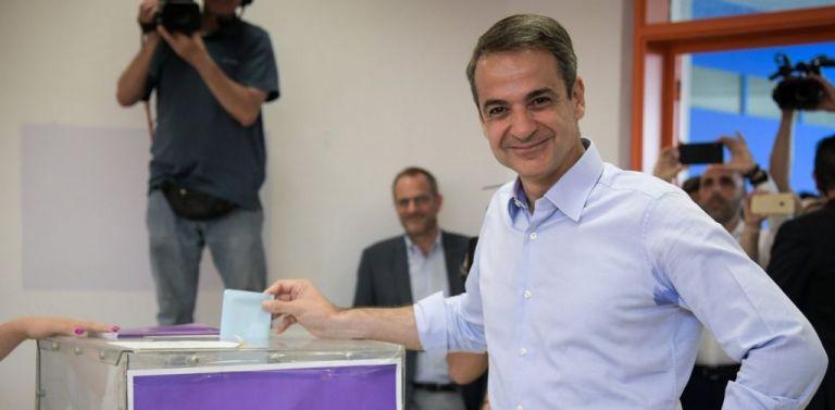 Ψήφισε ο Μητσοτάκης: Αύριο ξημερώνει μία καλύτερη μέρα για την πατρίδα | tovima.gr