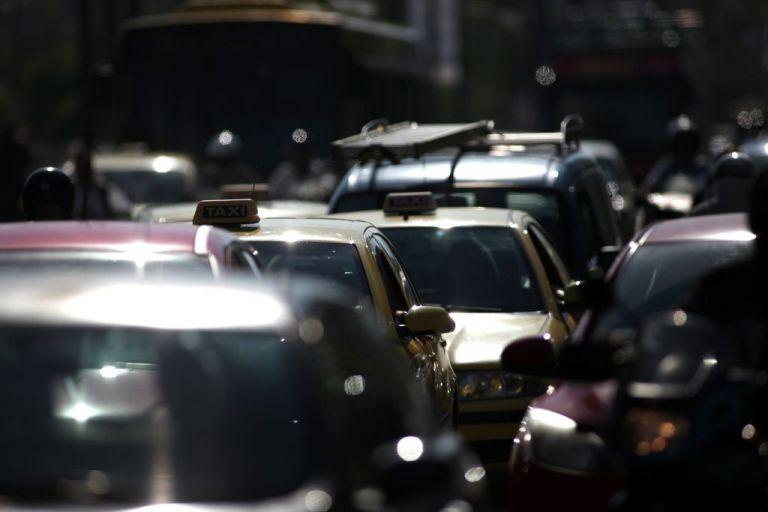 Κυκλοφοριακό κομφούζιο στον Κηφισό – Δείτε την κίνηση στην Αθήνα | tovima.gr
