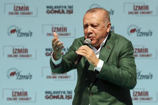 Αλλαγές για τον έλεγχο της Τουρκικής Κεντρικής Τράπεζας προωθεί ο Ερντογάν | tovima.gr