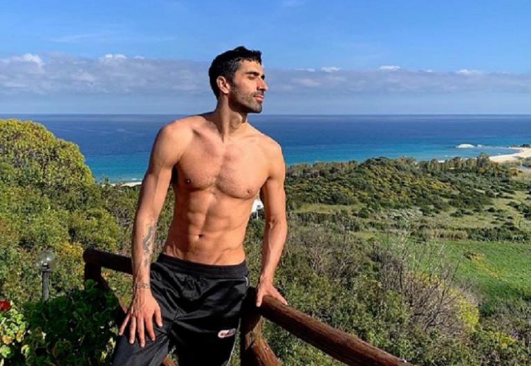 Ιταλός ολυμπιονίκης κολύμβησης έσωσε τουρίστα που πνιγόταν   tovima.gr