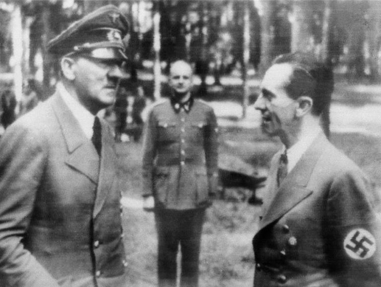 Η διαβολεμένη τύχη του Χίτλερ | tovima.gr