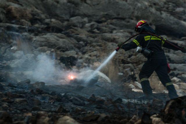 Ασπρόπυργος: Πυρκαγιά σε εξέλιξη   tovima.gr