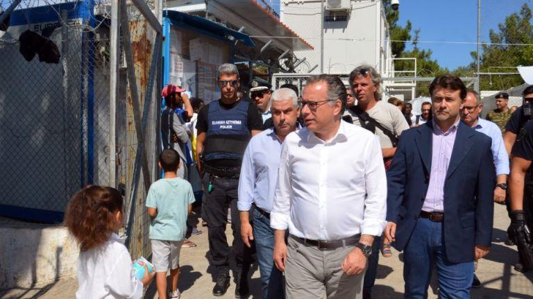 Κουμουτσάκος: Προτεραιότητα η επιτάχυνση των διαδικασιών εξέτασης ασύλου | tovima.gr