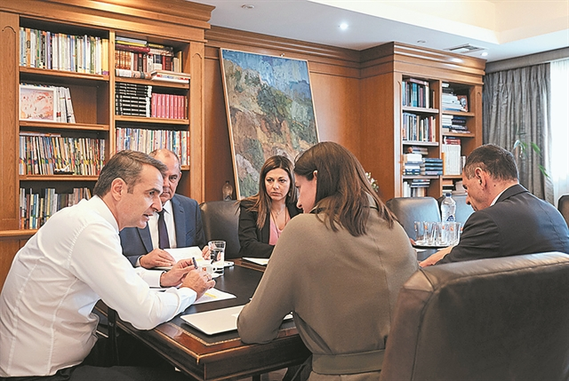 Στα ΑΕΙ η ευθύνη για εισακτέους και βάσεις | tovima.gr