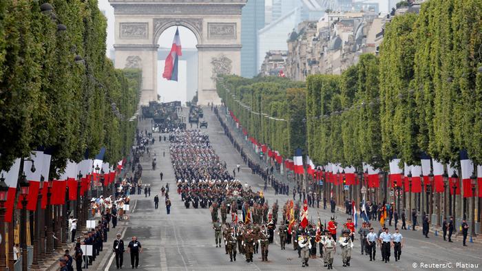 Γαλλία: Εθνική επέτειος με ευρωπαϊκό χρώμα   tovima.gr