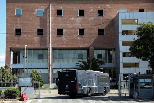 Εκλεψαν υπηρεσιακό όχημα του Μεταγωγών – Ο αστυνομικός είχε αφήσει πάνω τα κλειδιά | tovima.gr