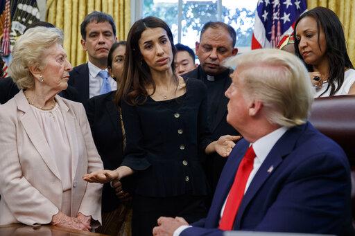 Συνεχίζει τις γκάφες ο Τραμπ : Ρώτησε βραβευθείσα με Νόμπελ Ειρήνης, γιατί της το έδωσαν | tovima.gr