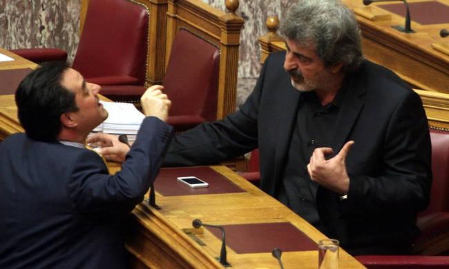Χαιρετιούνται, αγκαλιάζονται Αδωνις – Πολάκης | tovima.gr