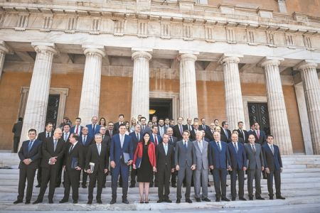 Η «γυάλινη οροφή» της νέας κυβέρνησης | tovima.gr