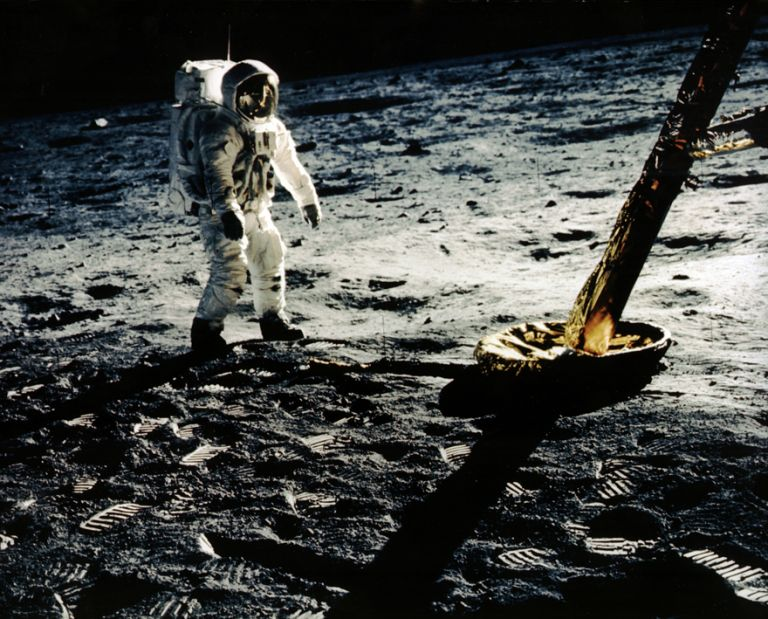 Moon LandingΕνα μικρό βήμα στη Θάλασσα της Ηρεμίας | tovima.gr