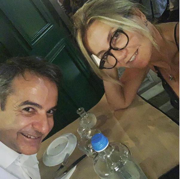 «Εξοδος με καλή παρέα» για τον Κυρ. Μητσοτάκη μετά τη Βουλή | tovima.gr