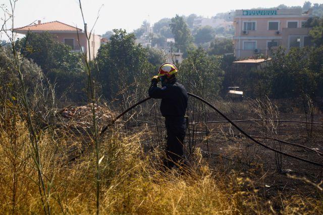 Σε μόλις 6 λεπτά δύο φωτιές σε Ραφήνα και Βαρνάβα – Προβληματισμός στις Αρχές – Τι ερευνούν | tovima.gr