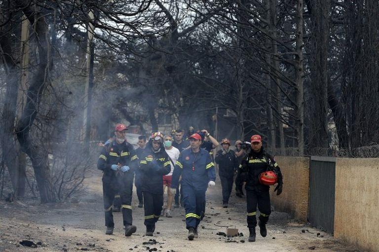 Μάτι, ένας χρόνος μετά: Η πυρκαγιά «λάβωσε» και τους πυροσβέστες | tovima.gr