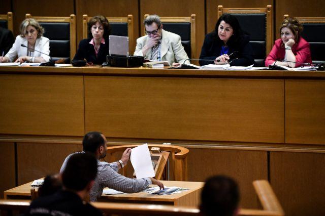 Δίκη Χ.Α.: Σε σοβαρές αντιφάσεις υπέπεσε κατηγορούμενος για τη δολοφονία Φύσσα | tovima.gr