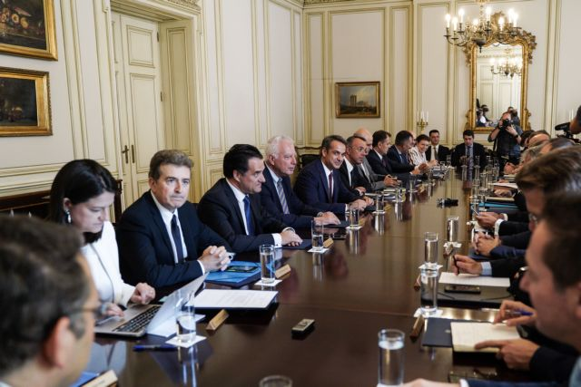 Χωρίς κάμερες το Υπουργικό Συμβούλιο στο Μαξίμου | tovima.gr