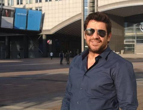 Γεωργούλης ρωτά Ευρωβουλή για την… τσικουδιά – Μετά το FaceApp | tovima.gr