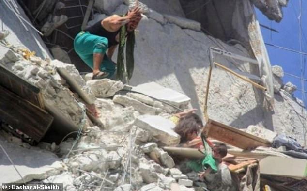 Συγκλονίζει 5χρονη που σώζει την 7μηνών αδελφή της από τα συντρίμμια βομβαρδισμών και ξεψυχά   tovima.gr