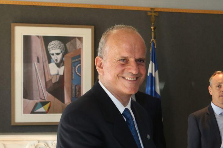 Ο Λούλης απαντά στον ΣΥΡΙΖΑ : Οι όψιμοι επικριτές μου δεν έχουν διαβάσει το βιβλίο μου | tovima.gr