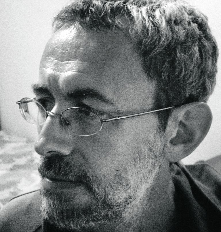 Ελληνική λογοτεχνία : Λυρικό υπαρξιακό δράμα σε μια δυστοπική επαρχία | tovima.gr