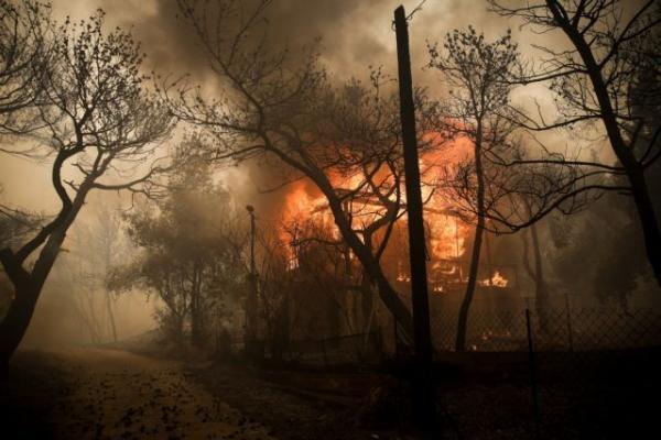 Από κολώνα της ΔΕΗ η πυρκαγιά στην Κινέτα τον Ιούλιο του 2018 | tovima.gr