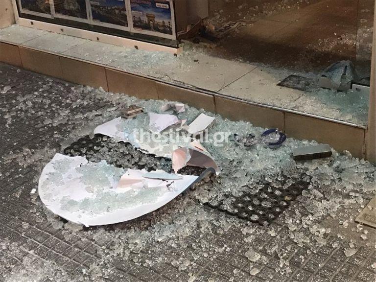 Θεσσαλονίκη: Αρπαξαν χρηματοκιβώτιο από ταξιδιωτικό γραφείο   tovima.gr