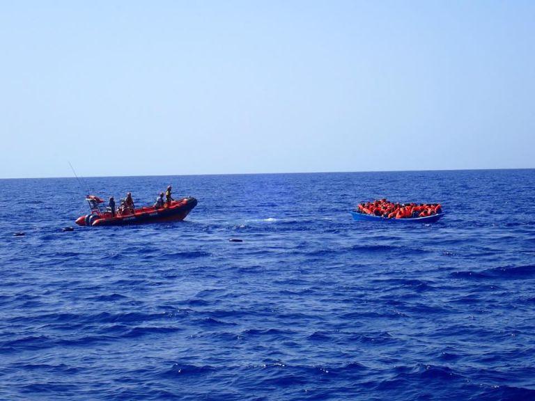 Ιταλία: Αποκλεισμένοι 163 πρόσφυγεςσε δύο διασωστικά πλοία | tovima.gr