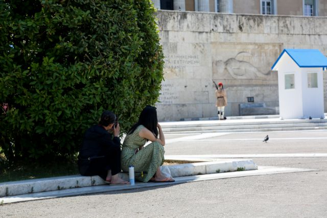 Καύσωνας – Ιός Δυτικού Νείλου: Πώς αντιμετωπίζονται | tovima.gr