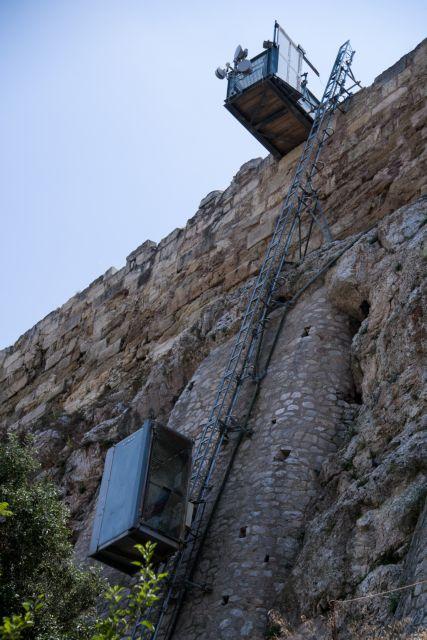 Χάλασε πάλι το αναβατόριο στην Ακρόπολη | tovima.gr