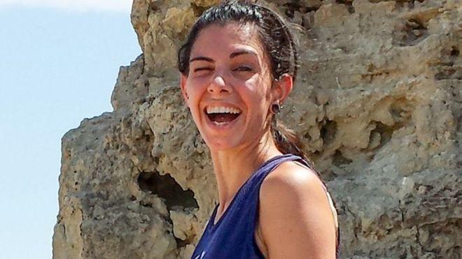 Ικαρία: Καταπλακωμένο από βράχο βρέθηκε το πτώμα της αστροφυσικού | tovima.gr