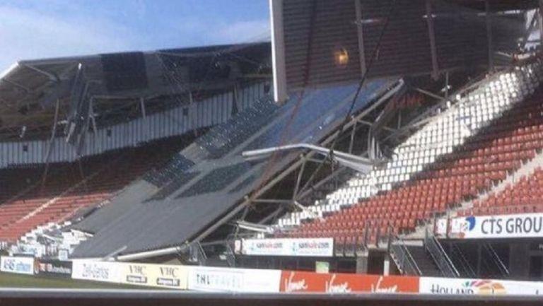 Κατέρρευσε από τον δυνατό άνεμο στέγαστρο στο γήπεδο της Άλκμααρ | tovima.gr